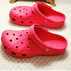 CROCS Pink Youth Size 3 Clogs